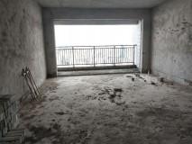 东方新城,电梯高楼层,南向一字楼,190平方,毛坯房,5房2厅3卫2阳台,(已出不动产权证,锁匙在手,随时看房!)  2016年房,小区环境优雅,业主诚售:7289元/方=138.5万。