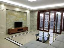 出租:星翠苑9楼,186平方家私家电齐全,采光通风好,月租5500元